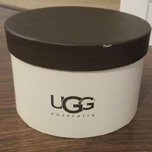 Black fuzzy UGG earmuffs